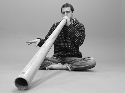 Othello-Ravez-didgeridoo
